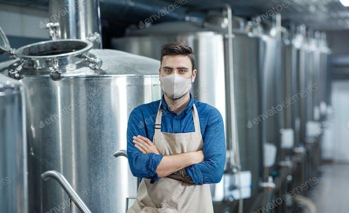 Industrielle Herstellung von Bier für Bars und Pubs