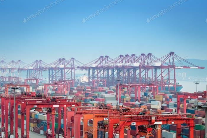 Containerterminal Nahaufnahme