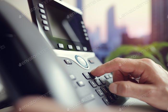 Telefonwahl im Büro