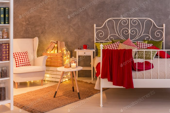 Bedroom with decorative light