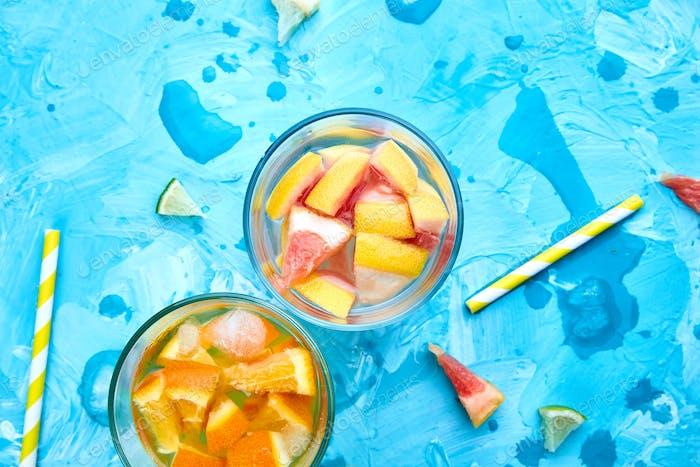 Gesunde Detox Zitruswasser oder Limonade.