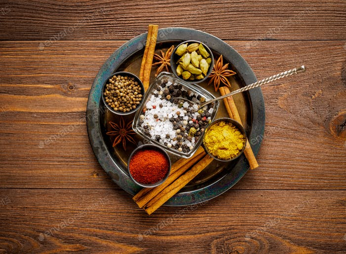 Oriental spice set