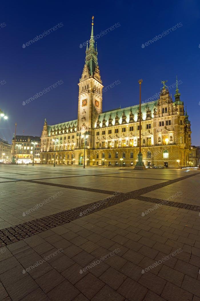 The townhall in Hamburg at night