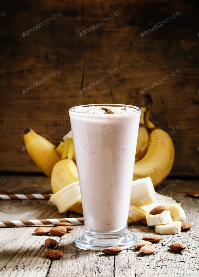 Dairy smoothies with ground almonds and banana