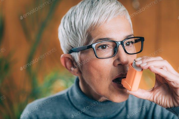 Using inhaler for Respiratory Problems