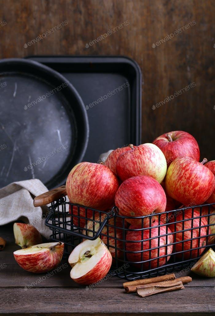 Red Ripe Organic Apples