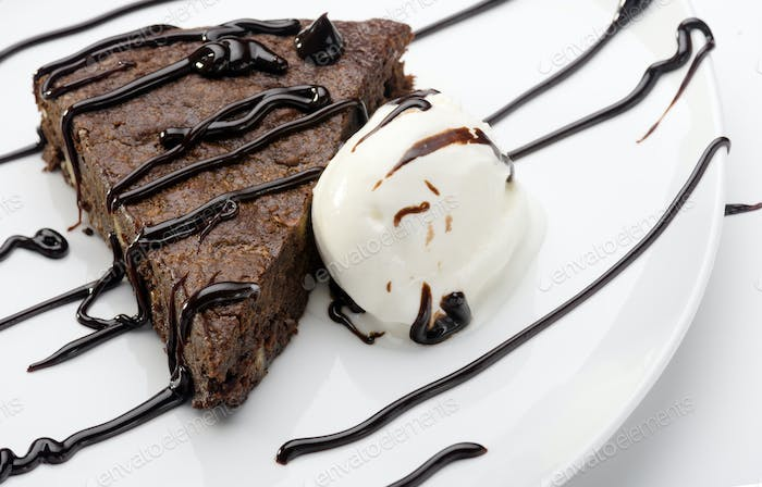 cake brownie with ice cream