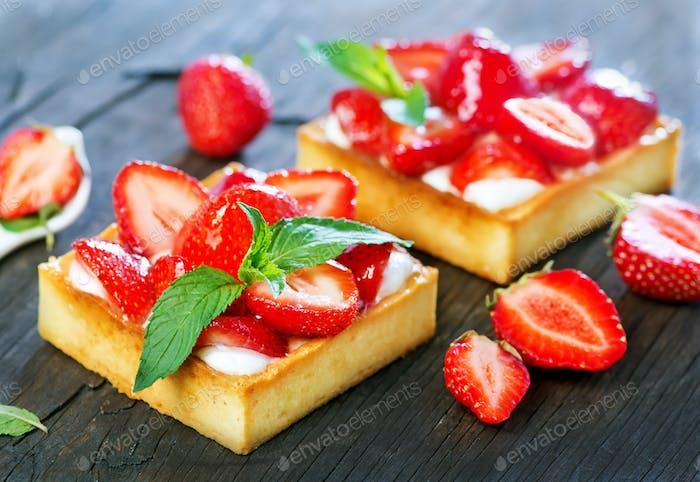 Kuchen mit frischer Erdbeere