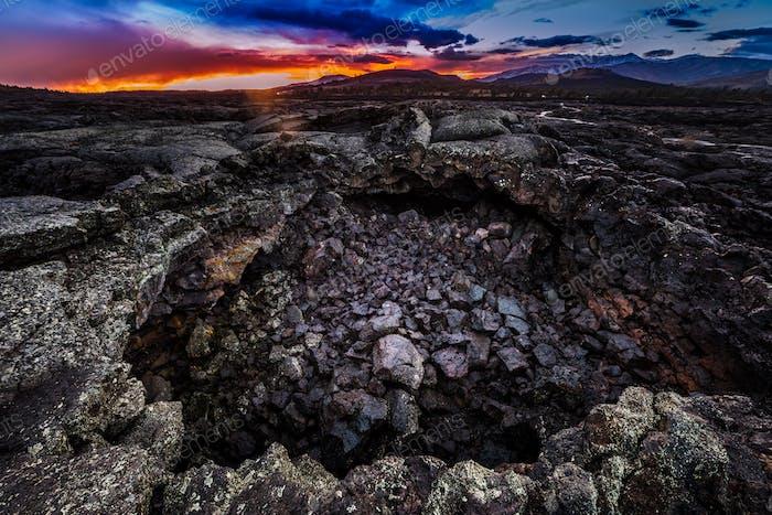 Entrada a la cueva de la gota de rocío