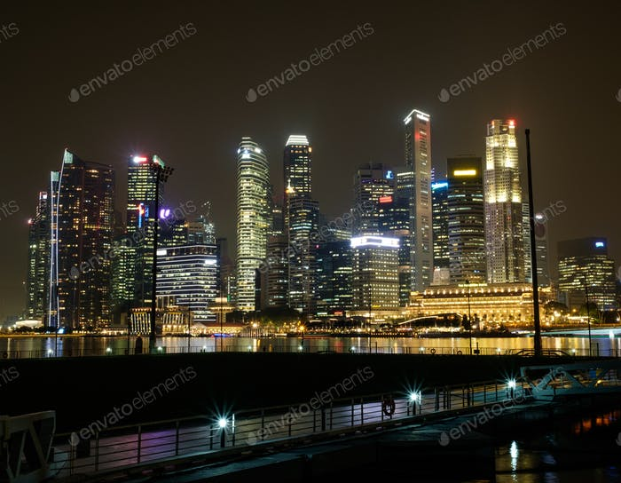 Cityscape of Singapore at night.