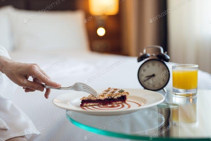 Köstliches Frühstück auf dem Zimmer