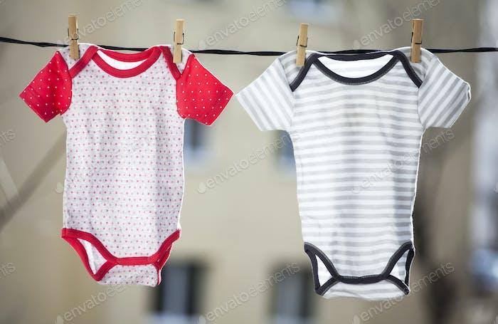 Baby Mädchen und Jungen Körper