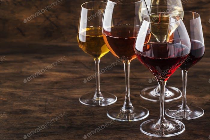 Weinset Rot-, Weiß- und Roséwein im Sortiment i