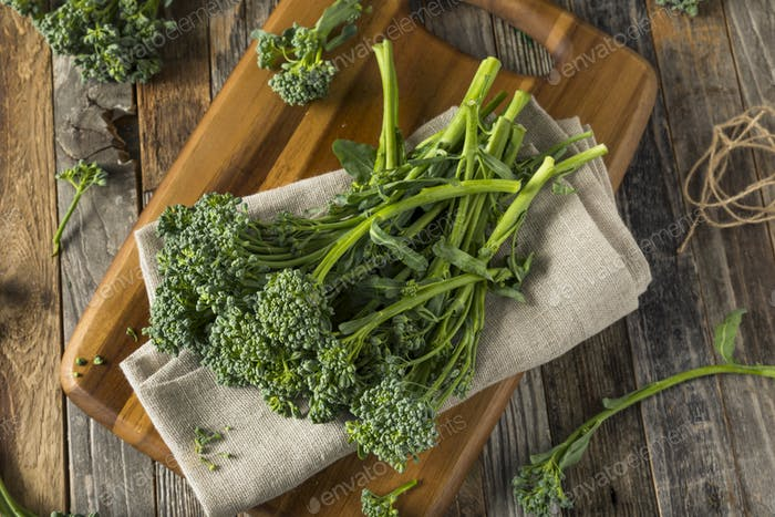 Raw Green Organic Broccolini