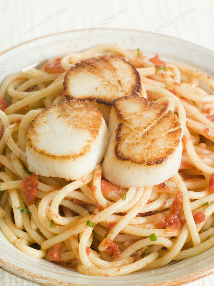 Seared Scallops with Chilli and Tomato Spaghetti