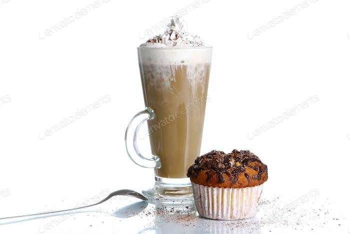 Cupcake mit geriebener Schokolade