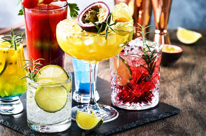 Set of summer alcoholic cocktails, popular bright refreshing alcohol drinks