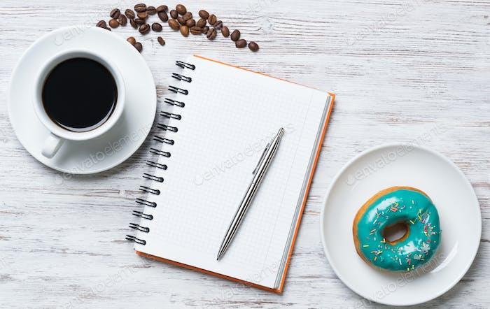 Kaffeepause mit Snack