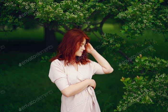 chica bonita en un Parque