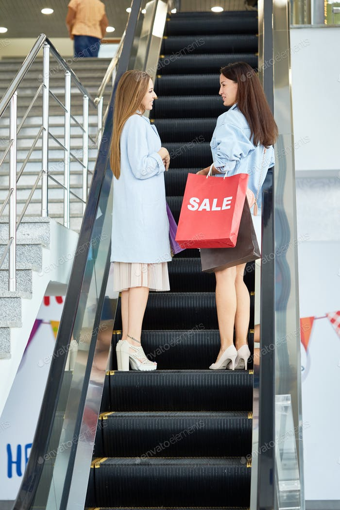 Damen Einkaufen für Saison Sale