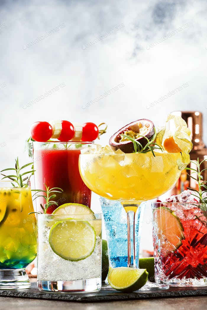 popular bright refreshing alcohol drinks