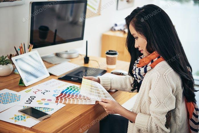 Diseñador en la oficina