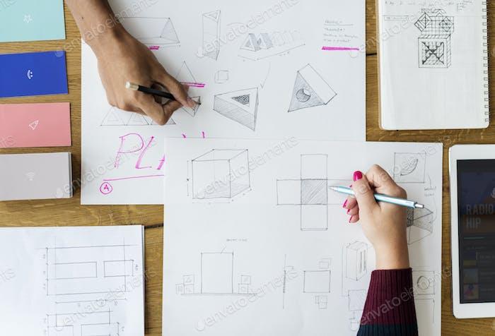 Manos Escribiendo Dibujo sobre Idea Papel Trabajo