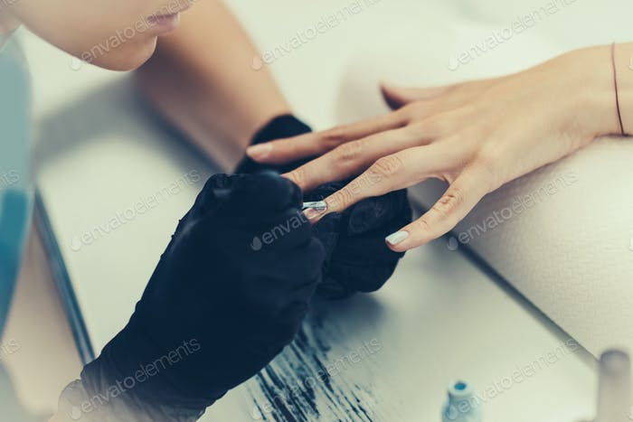 Manicuring nails