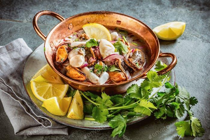 Peruanische lateinamerikanische Meeresfrüchte Schalentiere Ceviche