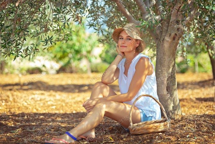 Pretty woman in olive garden