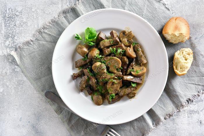 Beef stroganoff with mushrooms