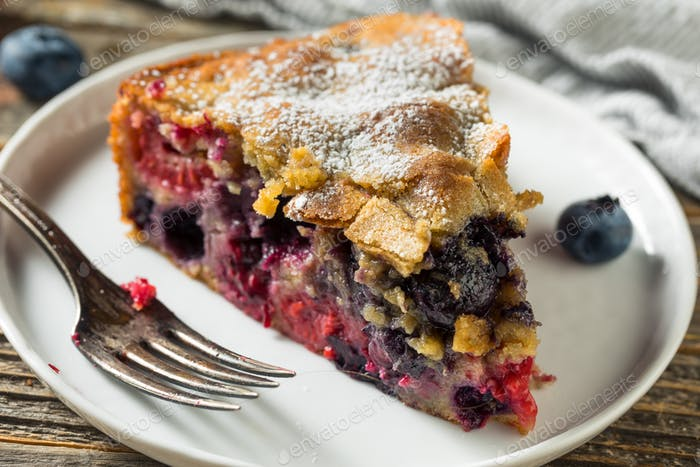 Homemade Summer Berry Buckle Cake