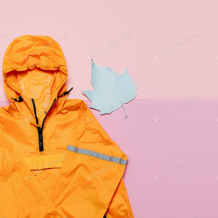 Modische orange Jacke, Urban Style. Street Outfit Hi Rains S