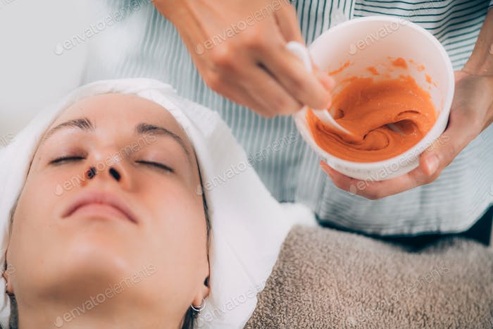 Vitamin Emollient Clarifying Alginate Peel Off Facial Mask