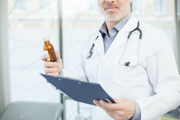 Therapeutist with medicine