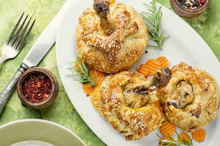 Hähnchenschenkel in Teig gebacken