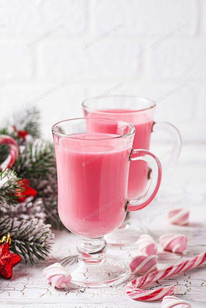 Rubin heiße Schokolade oder rosa Kakao