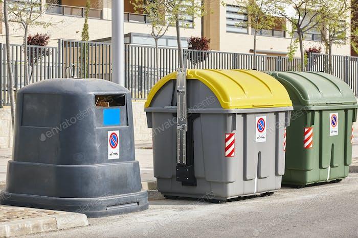 Behälter für Recycling-Papier Kunststoff und organisch. Abfalltrennung. Müll