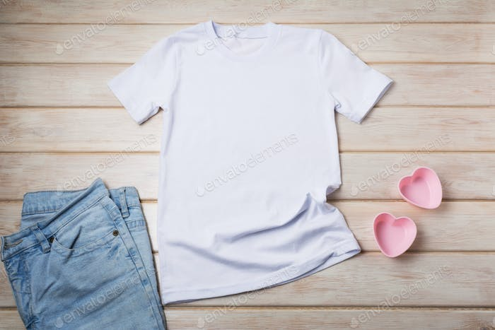 Placeit – Women's T-shirt mockup with pink hearts