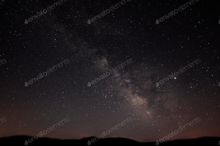 Milky Way forms a classic diagonal over the horizon