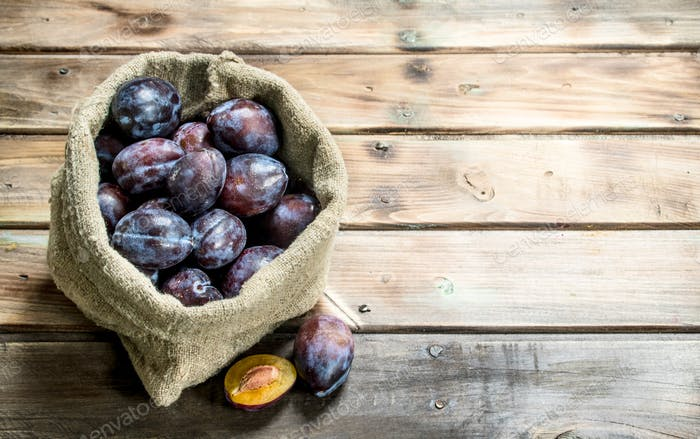 Ripe plums in the sack.