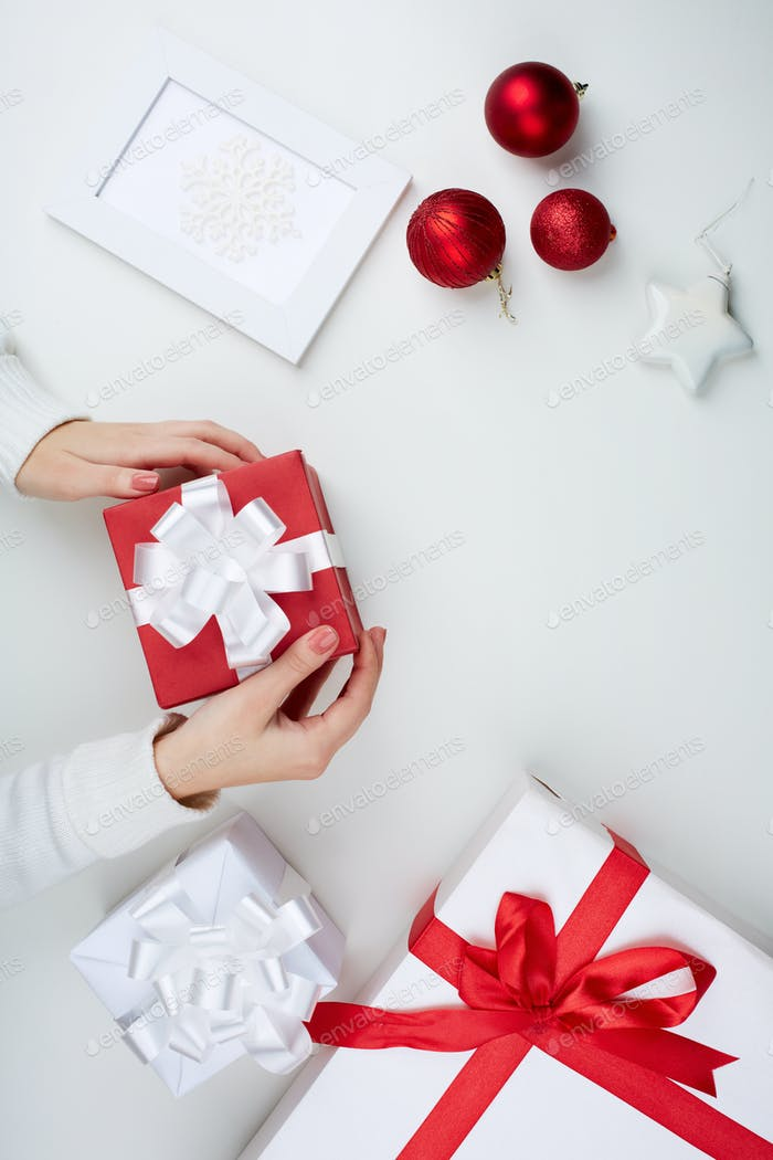 Preparing Christmas presents