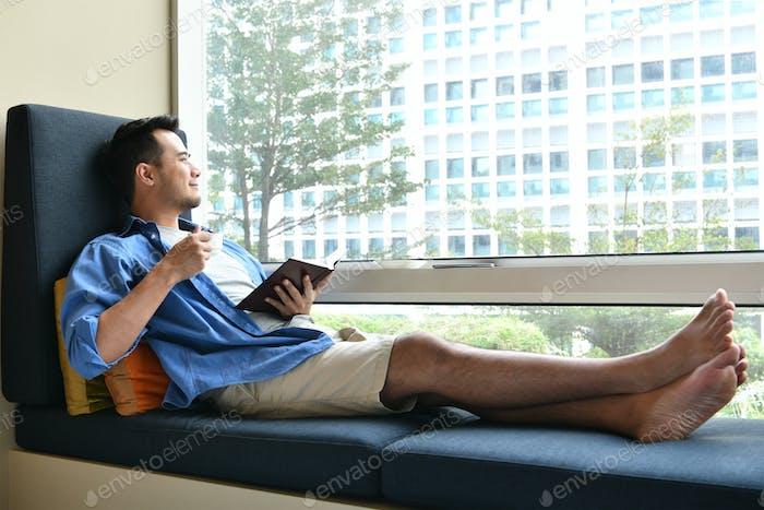 Asiatischer Mann Lebensstil
