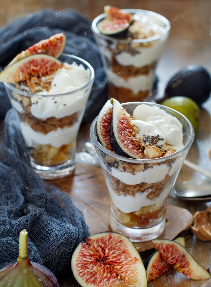 Blueberries and yogurt chia pudding parfaitGreek yogurt with figs and granola