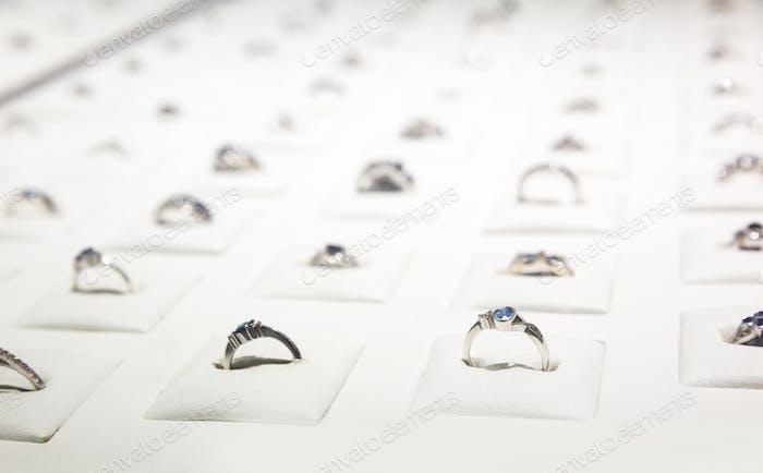 Edelstein verzierte Ringe Sammlung, Ceylon Juwelen