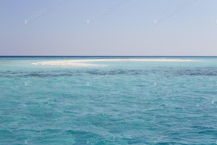 Schöner verlassener Strand