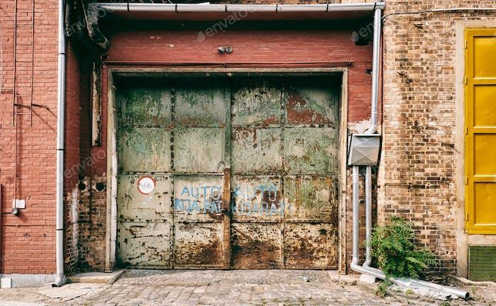 Abandoned old entrance