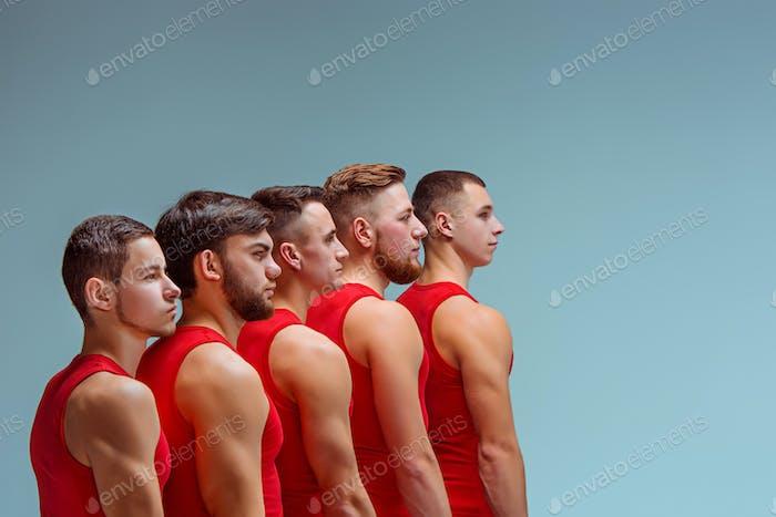 Два гимнастических акробатических кавказских мужчин