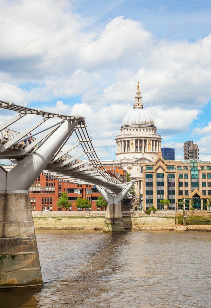 London Millennium Bridge