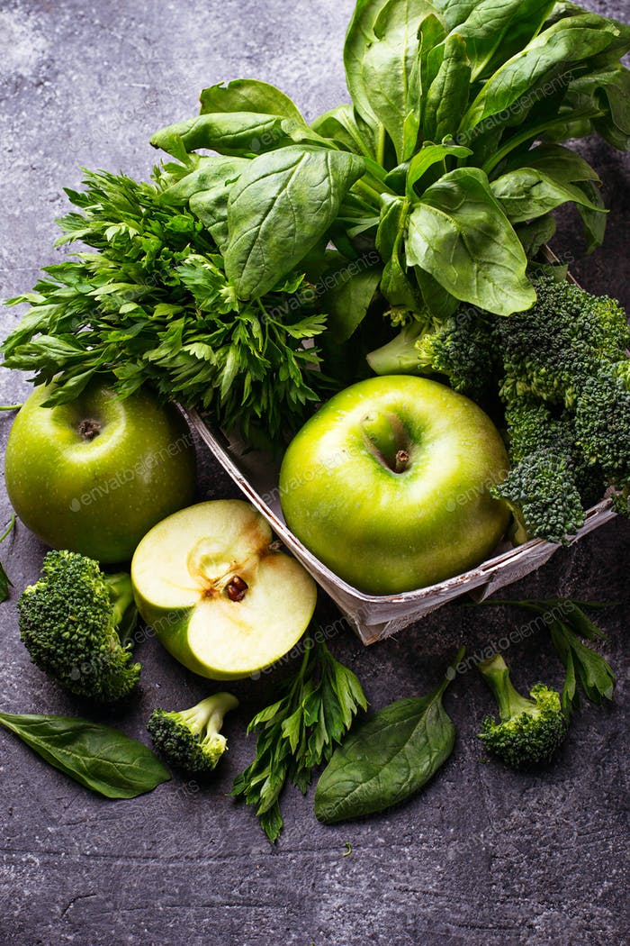 Detox green vegetables and fruits.